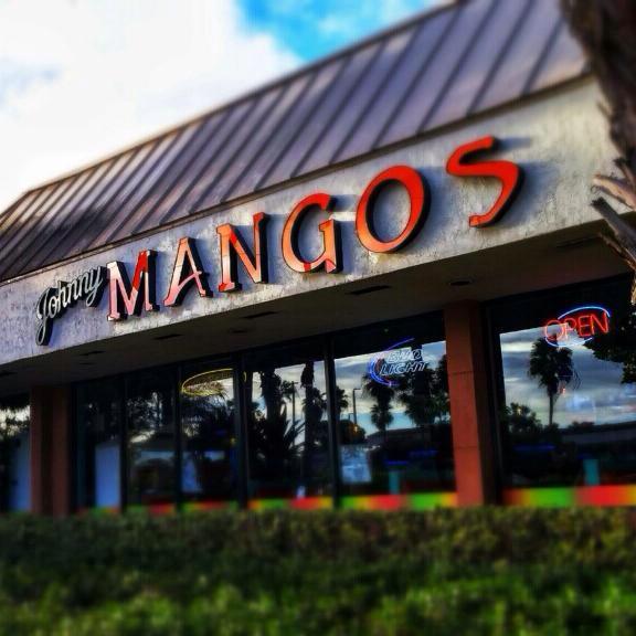 Johnny Mango's Bar & Grill, Tiki Bar